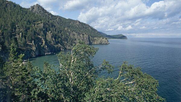 Вид на озеро Байкал.Архивное фото