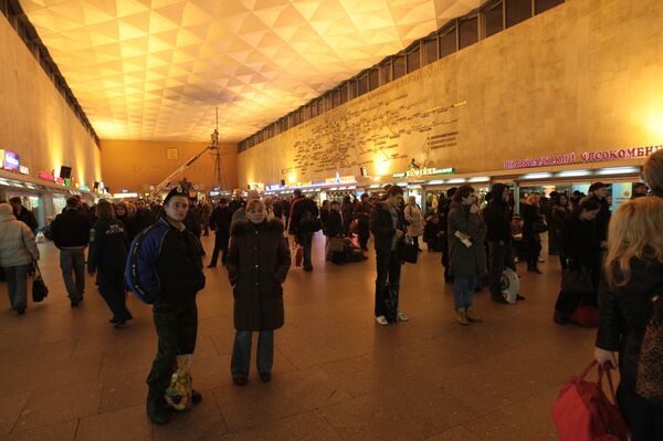 Пассажиры поездов Москва-Петербург сдают билеты из-за задержек
