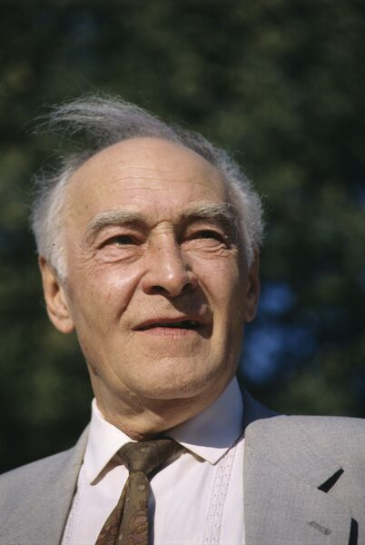 Вячеслав Васильевич Тихонов, народный артист СССР
