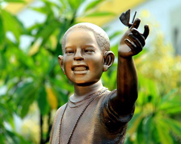 Памятник Бараку Обаме открылся в Джакарте