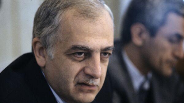 Звиад Константинович Гамсахурдия, первый президент Грузии