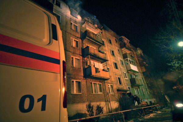 У пятиэтажного дома после взрыва