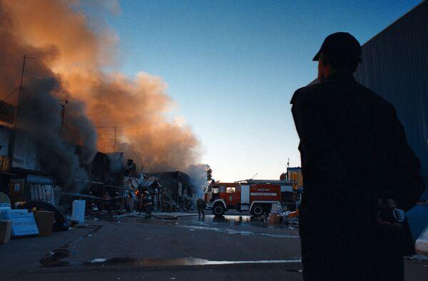 Два человека пострадали при пожаре на Мытищинской ярмарке