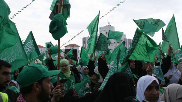 Сторонники движения ХАМАС на митинге в Газе
