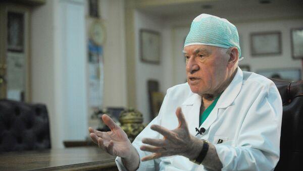 Медведев поздравил с юбилеем выдающегося кардиохирурга Бокерию