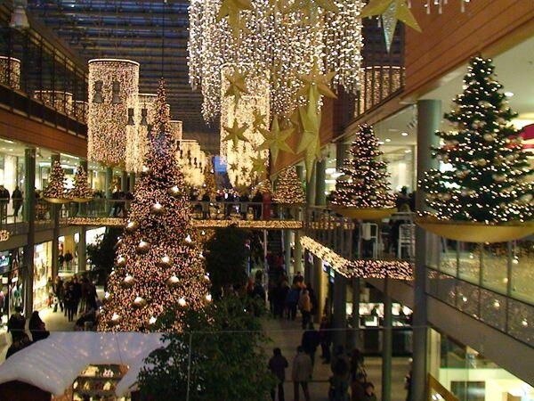 Именно протестанты ввели традицию наряжать к Рождеству елку