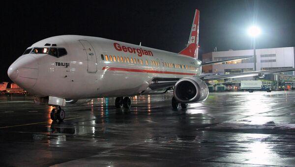 Boeing-737-500 грузинской авиакомпании. Архивное фото