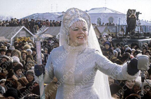 Снегурочка на празднике Проводы русской зимы в Суздале