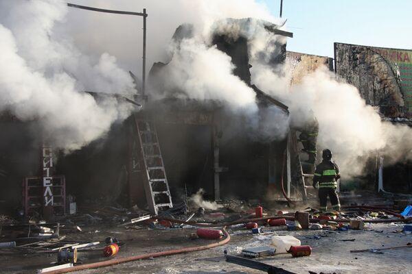 Пожар на территории Мытищинской ярмарки в Подмосковье локализован