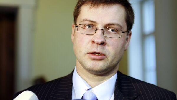 Премьер Латвии считает, что республике больше не угрожает банкротство