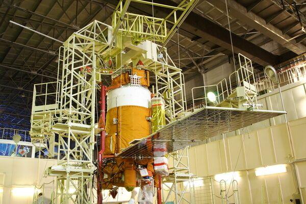 Космический аппарат КОРОНАС-ФОТОН в сборке на космодроме Плесецк