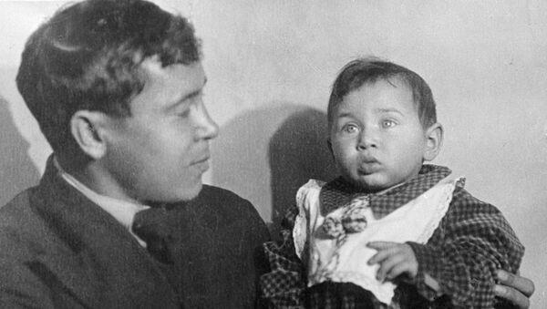 Муса Джалиль с дочерью Чулпак