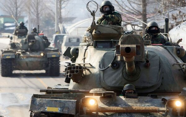 Военная тренировка южнокорейских солдат