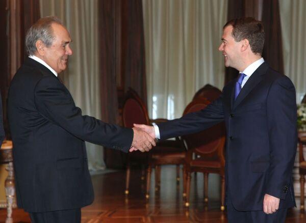 Президент России Д.Медведев провел встречу с президентом Татарстана М.Шаймиевым