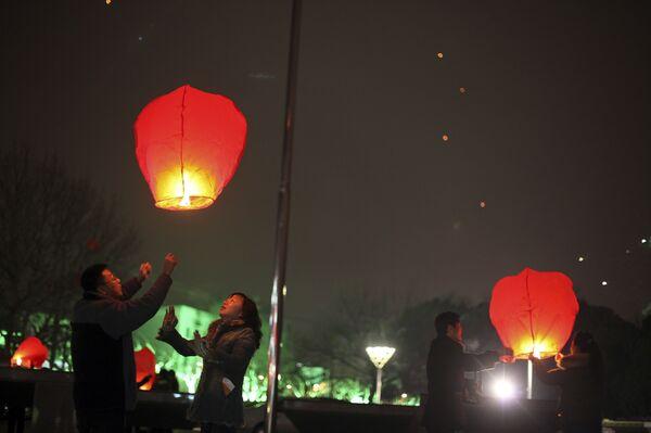 Жители Китая встречают Новый год по лунному календарю