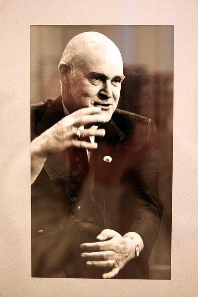 Фотография Джозефа Байерли на выставке Герой двух наций