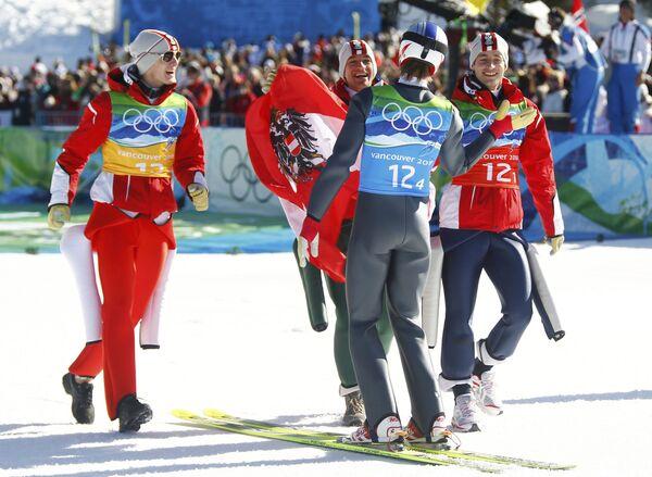 Австрийская команда летающих лыжников