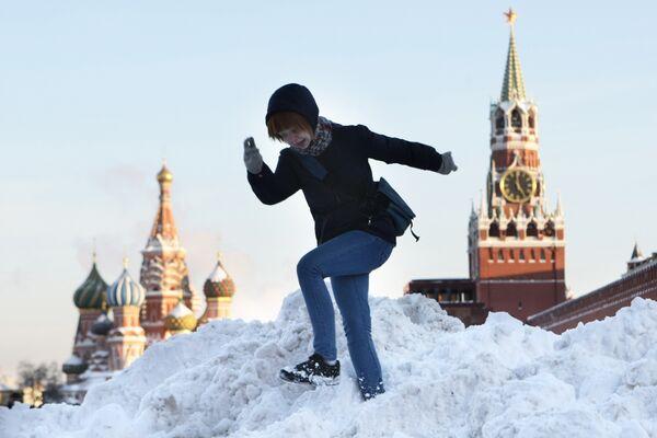 Солнечный день в Москве. Архив