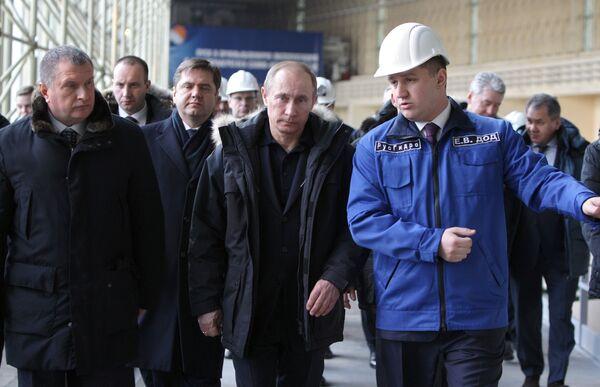 Премьер-министр РФ Владимир Путин посетил Саяно-Шушенскую ГЭС