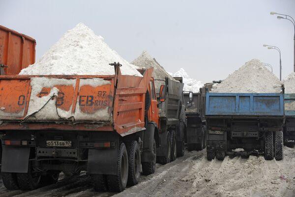 Переработка снега в снегосплавном пункте