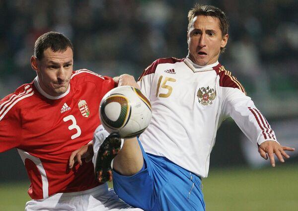 Игровой момент товарищеского матча по футболу Сборная Венгрии - Сборная России