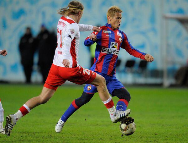 Игровой момент матча 1-го тура Премьер-Лиги ЦСКА - Амкар