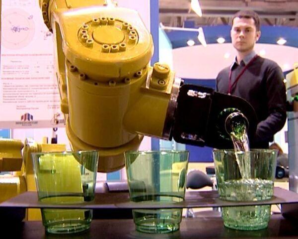 Робот-универсал и трактор-джип на выставке Госзаказ-2010
