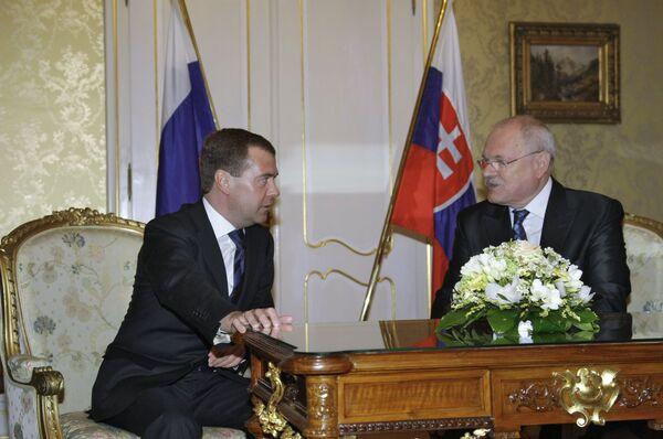 Президент РФ Д.Медведев и президент Словакии И.Гашпарович