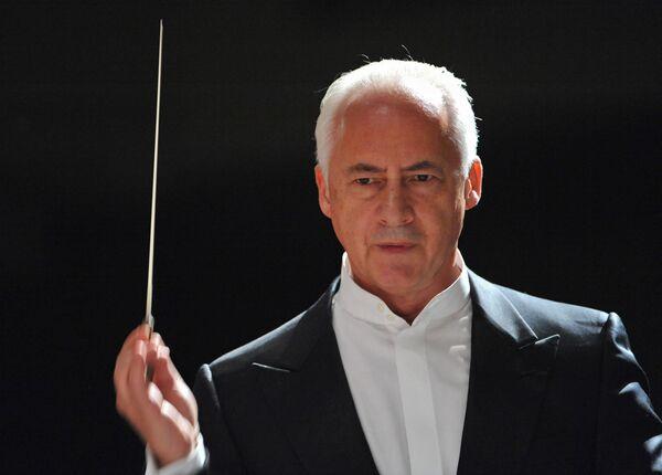 Дирижер Владимир Спиваков на концерте в рамках фестиваля Владимир Спиваков приглашает...
