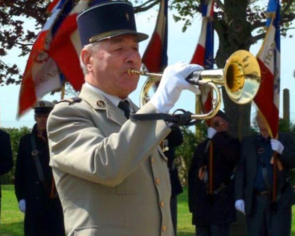 Ветераны войны из СНГ навестили могилы однополчан в Париже