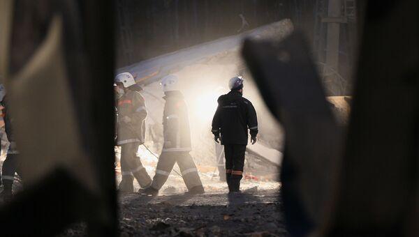 Работа спасателей в шахте. Архивное фото