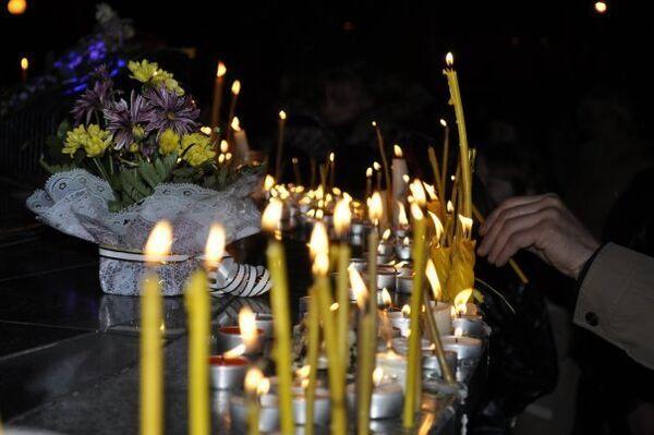 Стелла горнякам в Междуреченске. Вечер 9 мая.