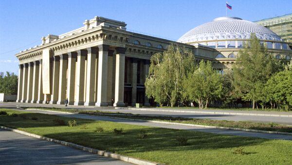 Здание Новосибирского театра оперы и балета