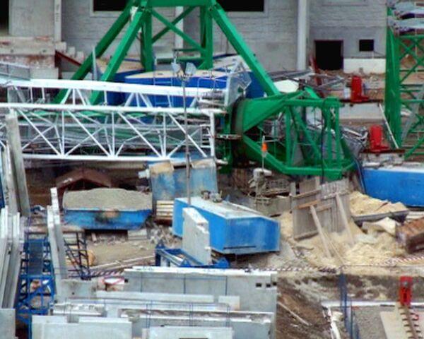Последствия обрушения строительного крана в Ростове-на-Дону