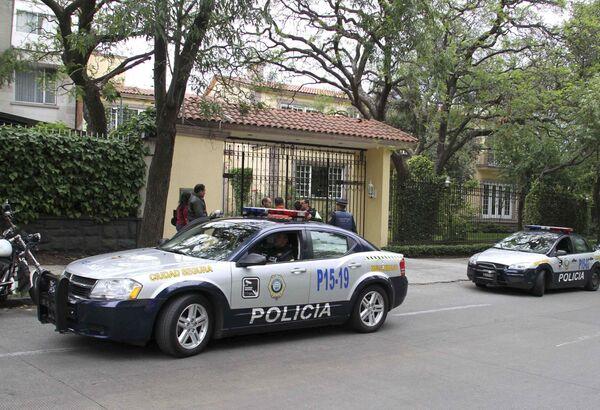 Полиция у дома пропавшего мексиканского политика Диего Фернандеса-де-Севальоса