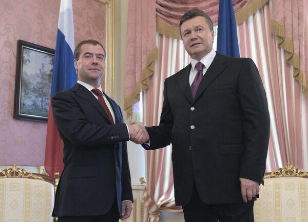 Д.Медведев и В.Янукович