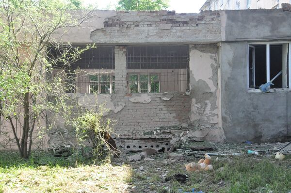 Разрушения после взрыва на опорном пункте милиции в Нальчике