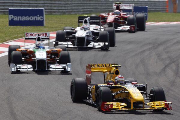 Российский пилот Рено Виталий Петров финишировал 15-м на Гран-при Турции