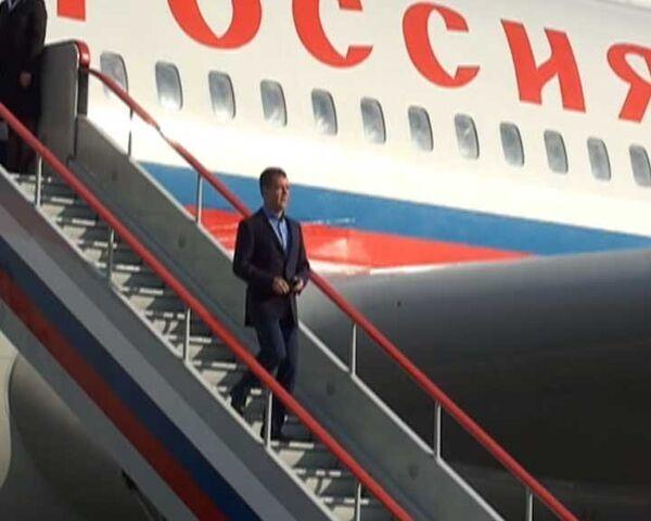Медведев прибыл в Ростов, где пройдет саммит Россия - ЕС