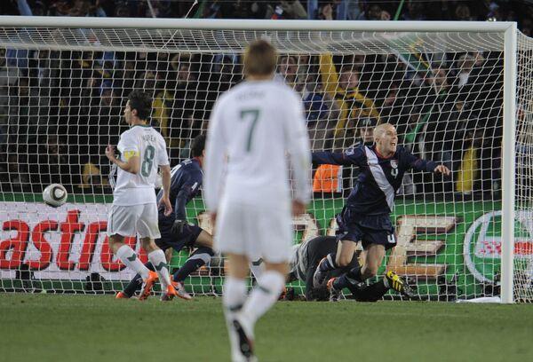Игровой момент матча Словения - США