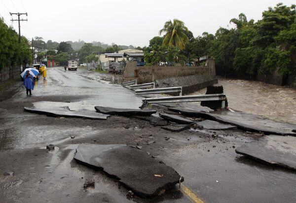 Последствия тропического шторма Алекс