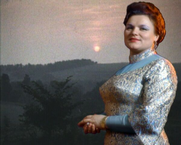 Песня Колечко в исполнении Людмилы Зыкиной. Архивные кадры