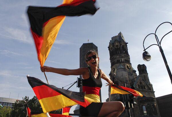 Болельщики празднуют победу сборной Германии над Аргентиной