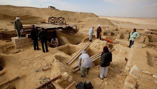 Археологические раскопки в Египте, Архивное фото