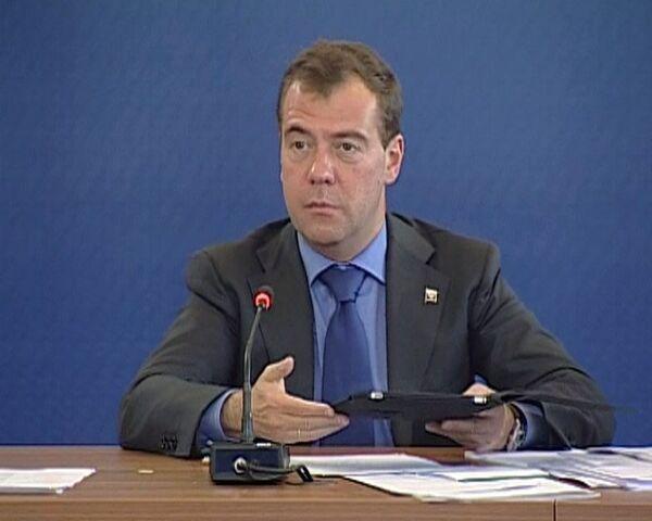 Учителя уже не боятся компьютеров и почти не боятся детей - Медведев