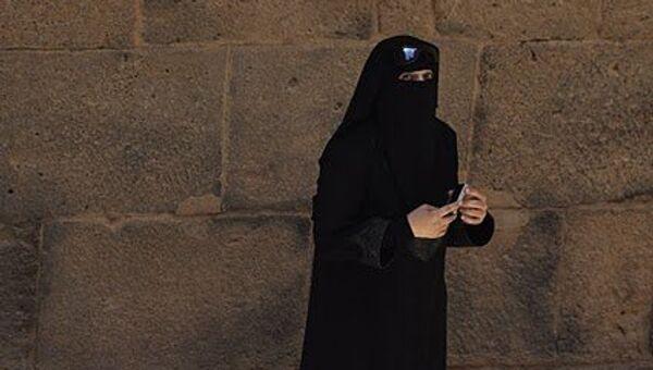 Мусульманская женщина в парандже. Архив