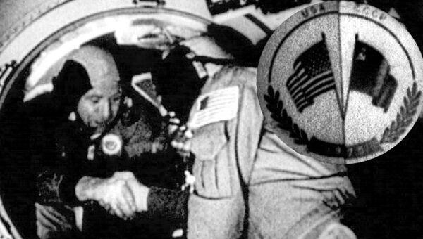 Космонавты СССР и США впервые встретились на орбите Земли. 1975 год