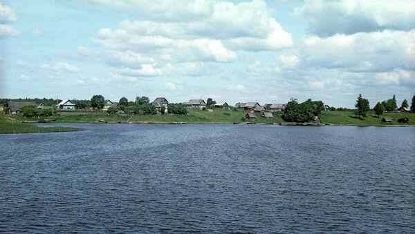 На озере Селигер. Архив