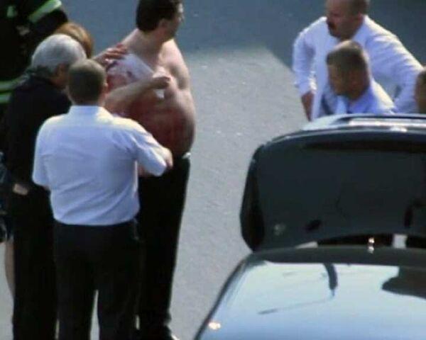 В центре Москвы расстреляли водителя иномарки. Видео очевидца