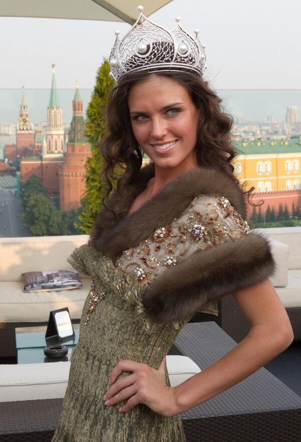 Пресс-конференция, посвященная отъезду Мисс Россия - 2010 Ирины Антоненко на конкурс Мисс Вселенная